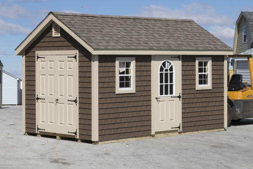 10x16 New England Cape with Vinyl Shake Siding